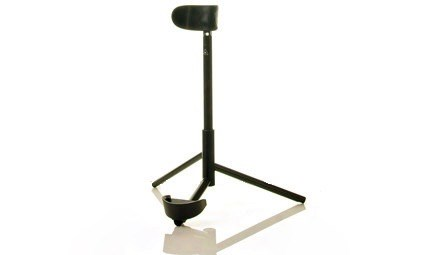 A carbon fibre bassoon stand from WoodWindDesign for sale at Double Reed Ltd. This bassoon stand is very lightweight (only 400 grams) and stable. The price of this bassoon stand is £187.50